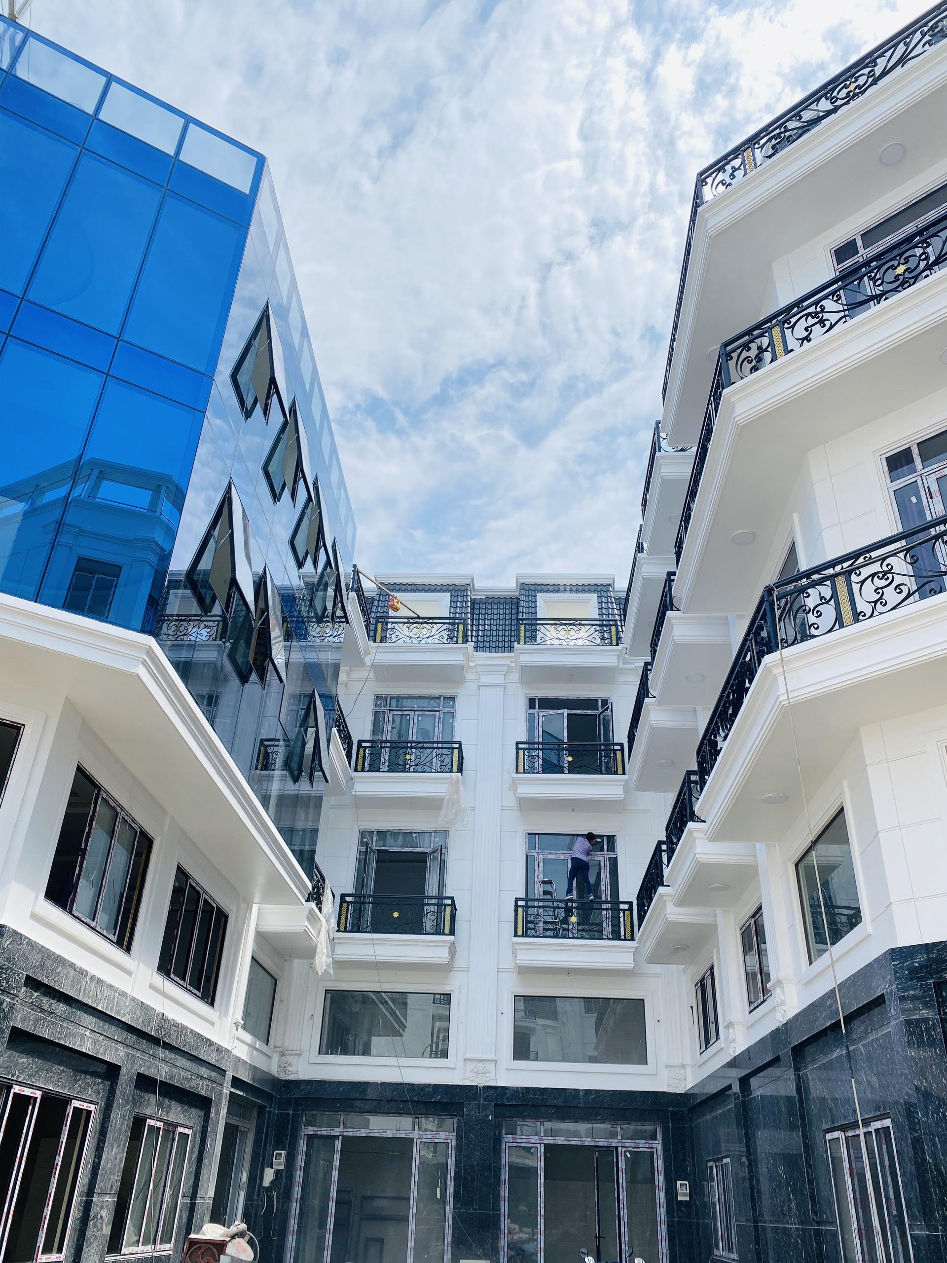 One Palace 2 – Khu Nhà Phố Ven Sông 4,8 tỷ